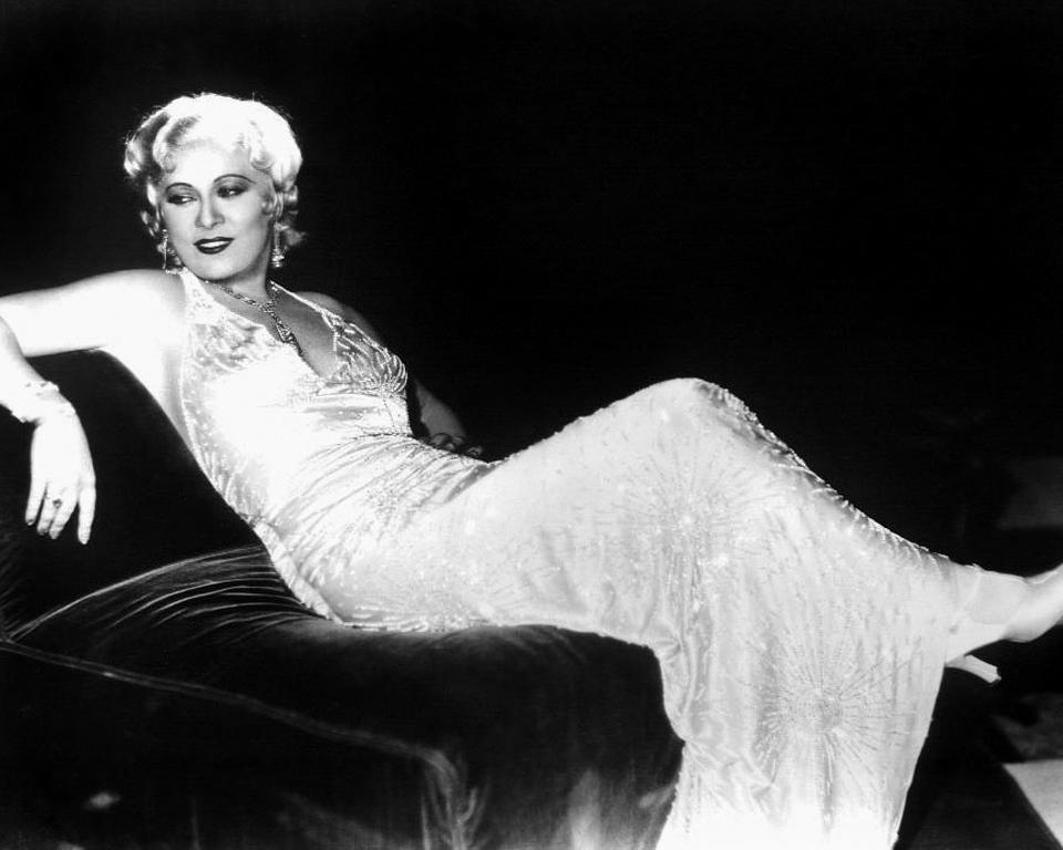 Nuit après nuit (Night After Night) est un film réalisé par Archie Mayo sorti en 1932.