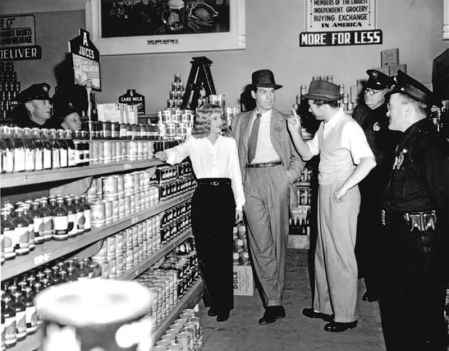 DOUBLE INDEMNITY - Billy Wilder (1944) - Photo de tournage