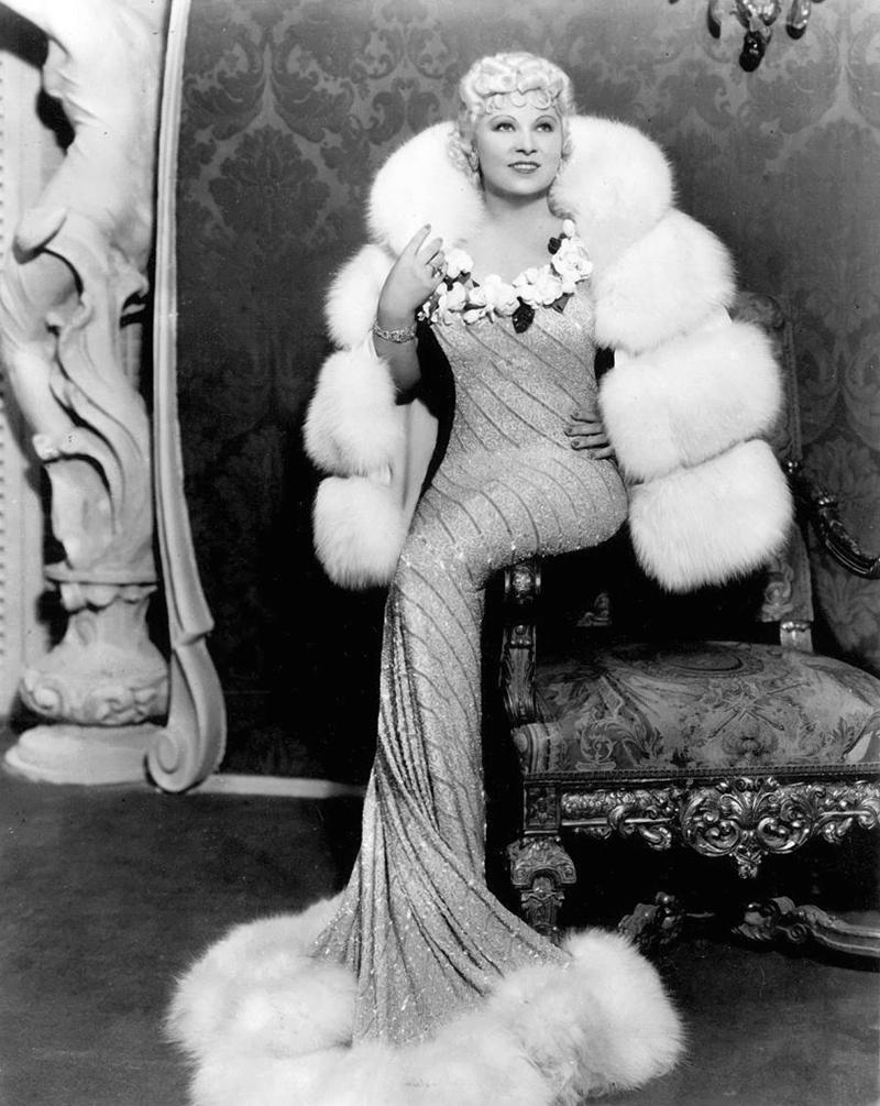 """Mae West dans """"Je veux être une lady"""" (Goin' to Town) d'Alexander Hall (1935)"""