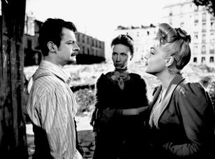 """""""Casque d'or"""" de Jacques Becker (1952) avec Simone Signoret, Serge Reggiani, Claude Dauphin, Raymond Buissière"""