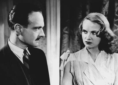 Le Corbeau d'Henri-Georges Clouzot, sorti en 1943 avec Pierre Fresnay, Ginette Leclerc, Pierre Larquey, Micheline Francey