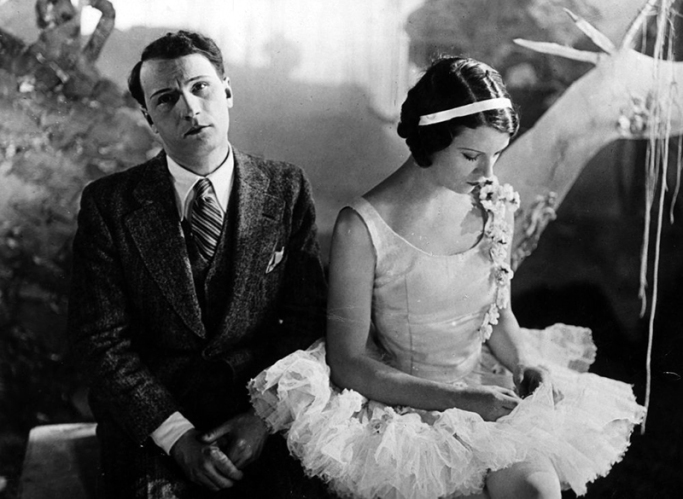 """Annabella et René Lefèvre dans """"Le Million"""" de René Clair (1931) - Photographie : Georges Périnal, assisté de Georges Raulet"""