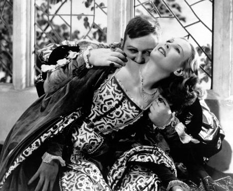 """Charles Laughton et Wendy Barrie dans """"La Vie privée d'Henry VIII réalisé par Alexander Korda (1933) - Photographie : Georges Périnal"""