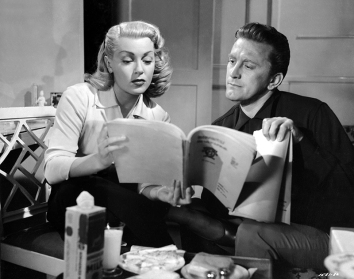 THE BAD AND THE BEAUTIFUL (Les Ensorcelés) – Vincente Minnelli (1952) - Kirk Douglas (Jonathan Shields), Lana Turner (Georgia Lorrison)
