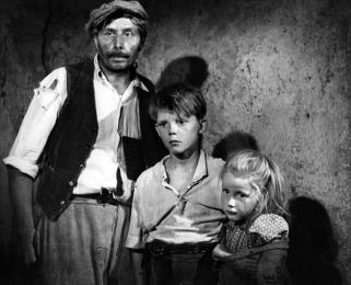 """""""Jeux interdits"""" de René Clément (1952) avec Brigitte Fossey, Georges Poujouly, Lucien Hubert, Laurence Badie"""
