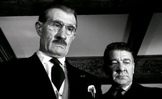 MARIE-OCTOBRE – Julien Duvivier (1959) - Noël Roquevertdans le rôle deÉtienne Vandamme, le contrôleur des contributions