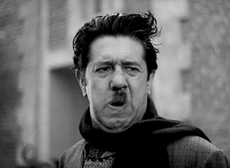 Les Disparus de Saint-Agil de Christian-Jaque (1938), adaptation du roman éponyme de Pierre Véry paru en 1935 avec Serge Grave, Marcel Mouloudji, Jean Claudio, Erich von Stroheim, Michel Simon