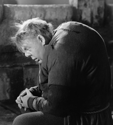Charles Laughton dans Quasimodo (The Hunchback of Notre Dame) réalisé par William Dieterle (1939)
