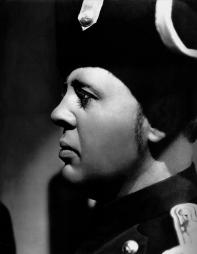 Charles Laughton (Javert) dans Les Misérables de Richard Boleslawski (1935)