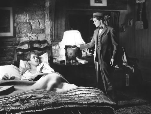 dans Sylvia Scarlett, Katharine Hepburn, délicieux garçon manqué, se lie d'amitié avec Brian Aherne...