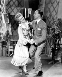 Fred Astaire et Ginger Rogers dans L'Entreprenant Mr Petrov (Shall We Dance) dede Mark Sandrich (1937)