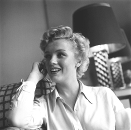 marilyn_monroe_glamour_girl_14