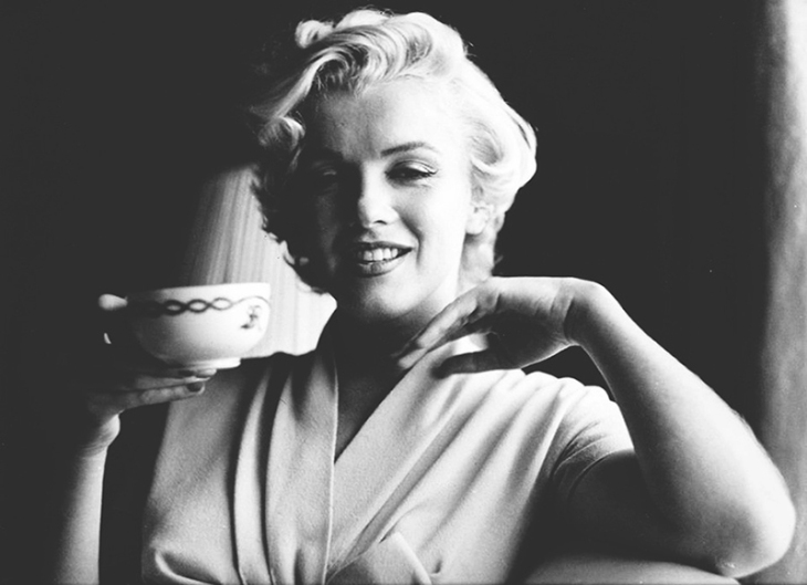 marilyn_monroe_glamour_girl_16