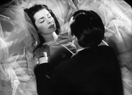 Les Dames du bois de Boulogne de Robert Bresson (1945) avec Maria Casarès, Élina Labourdette, Paul Bernard