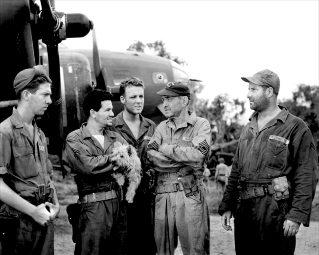 AIR FORCE - Howard Hawks (1943)