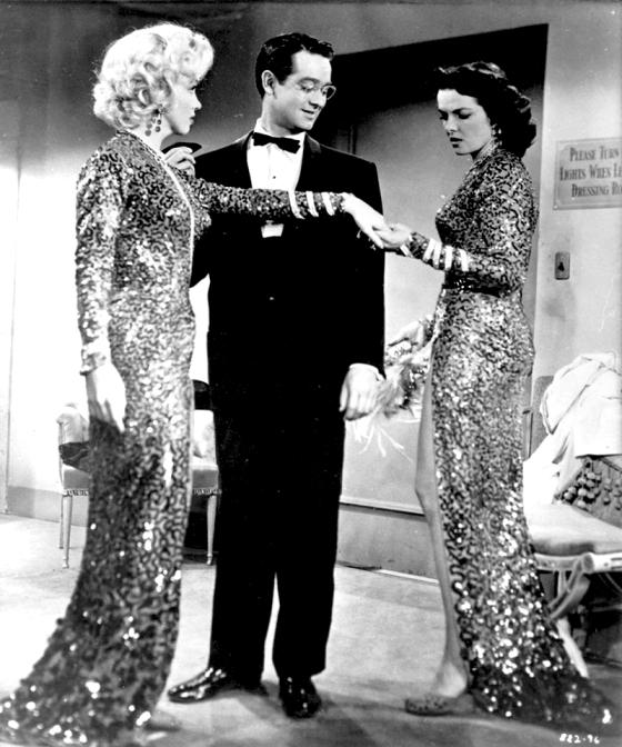 Gentlemen Prefer Blondes - Howard Hawks (1953) avec Marilyn Monroe, Jane Russell, Tommy Noonan