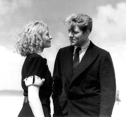 Michèle Morgan et Jean Gabin dans REMORQUES (1941) de Jean Grémillon