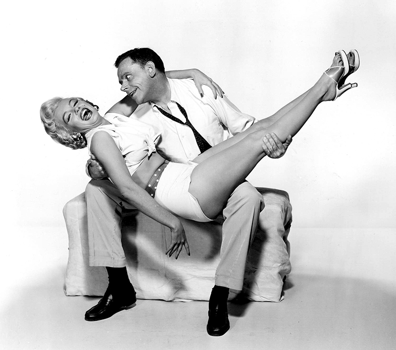 THE SEVEN YEAR ITCH (Sept ans de réflexion) – Billy Wilder (1955) avec Marilyn Monroe et Tom Ewell
