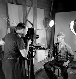 Séance photo pour Jean Gabin, LA BÊTE HUMAINE - Jean Renoir (1938)
