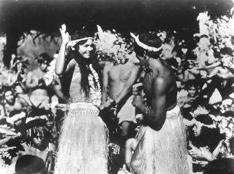 TABOU (Tabu) réalisé par Friedrich Wilhelm Murnau et Robert Flaherty (1931).