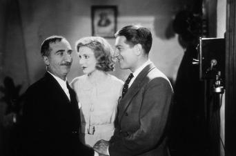 Jean Gabin, Josseline Gaël, Marcel Lévesque dans Tout ça ne vaut pas l'amour de Jacques Tourneur (1931)