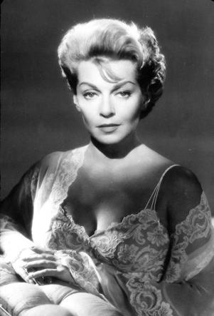 Lana Turner dans PORTRAIT IN BLACK (Meurtre sans faire-part) réalisé par Michael Gordon (1960)