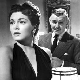 Lana Turner et Clark Gables dans BETRAYED (Voyage au-delà des vivants) réalisé par Gottfried Reinhardt (1954)