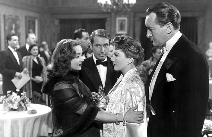 ALL ABOUT EVE (Ève) - Joseph L. Mankiewicz (1950) - Bette Davis, Anne Baxter, George Sanders, Marilyn Monroe