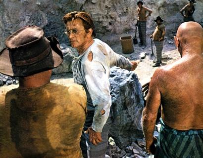 THERE WAS A CROOKED MAN (Le Reptile) - Joseph L. Mankiewicz (1970) - Kirk Douglas Henry Fonda, Hume Cronyn