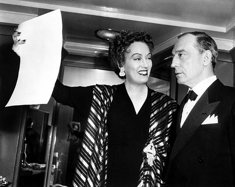 ON SET - Gloria Swanson et Buster Keaton - SUNSET BOULEVARD (Boulevard du crépuscule) - Billy Wilder (1950)
